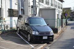 共用の車も用意され、割安で利用できます。荷物もたっぷり積めるホンダ ステップワゴンです。(2012-02-10,共用部,OTHER,1F)