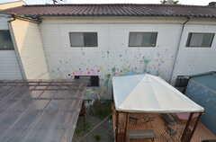 ペイントされた壁の目の前の部屋です。(2014-06-02,専有部,ROOM,2F)
