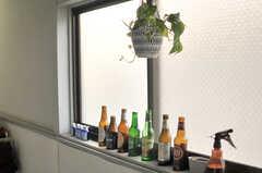 窓際のボトルたち。(2014-06-02,共用部,OTHER,1F)
