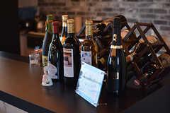 たくさんの人たちからもらったお酒がズラリ。(2017-05-09,共用部,LIVINGROOM,2F)