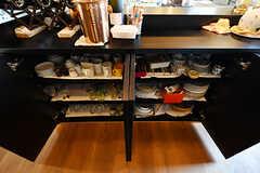 食器棚の様子。(2017-05-09,共用部,KITCHEN,2F)