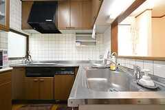 キッチンの様子。(2016-02-04,共用部,KITCHEN,2F)