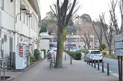 横浜市営地下鉄ブルーライン・上永谷駅周辺の様子。(2016-02-04,共用部,ENVIRONMENT,1F)