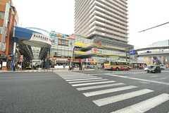 各線・上大岡駅前の様子。(2014-05-15,共用部,ENVIRONMENT,1F)