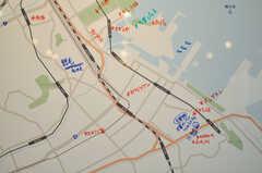 周辺マップの様子。書き込みが盛んな様子。(2013-09-18,共用部,LIVINGROOM,1F)