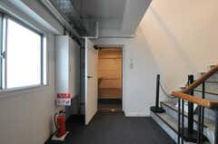 ランドリーの入り口の様子。(2013-09-18,共用部,OTHER,4F)