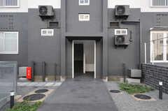 建物の入り口の様子。(2013-09-18,共用部,OTHER,1F)