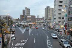 JR東海道本線・東神奈川駅の周辺の様子。(2013-09-18,共用部,ENVIRONMENT,1F)