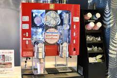 コーヒーサーバーの様子。メニューにはホットコーヒー、アイスコーヒー、エスプレッソがあります。(2019-10-09,共用部,OTHER,1F)