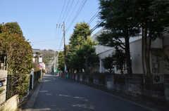 シェアハウスから東急東横線・大倉山駅へ向かう道の様子。(2015-01-26,共用部,ENVIRONMENT,1F)
