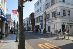 シェアハウスから東急東横線・大倉山駅へ向かう道の様子2。(2015-01-26,共用部,ENVIRONMENT,1F)