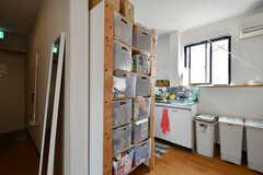 部屋ごとに使える収納ボックス。(2020-08-24,共用部,KITCHEN,3F)