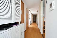 玄関から見た内部の様子。女性専用ユニットです。(2020-08-24,周辺環境,ENTRANCE,3F)