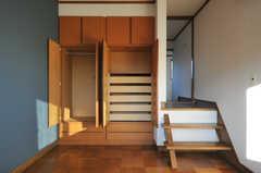 収納の様子。(201号室)(2012-12-25,専有部,ROOM,2F)