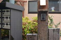 カメラ付きインターホンの様子。(2015-05-19,周辺環境,ENTRANCE,1F)