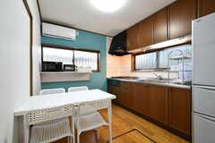 リビングの様子。キッチンを併設しています。(2019-12-06,共用部,LIVINGROOM,1F)