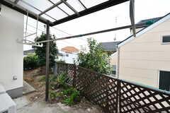 屋根付きの物干しスペースがあります。(103号室)(2019-12-06,専有部,ROOM,1F)