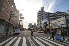 京浜急行本線・井土ヶ谷駅前の様子。(2013-11-27,共用部,ENVIRONMENT,1F)