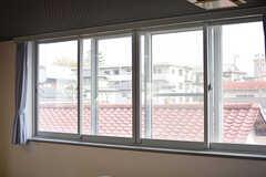 窓は2重になっています。(2017-04-06,共用部,LIVINGROOM,2F)