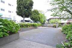 シェアハウスの目の前は小さな公園になっています。(2016-04-21,共用部,OTHER,1F)