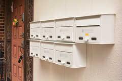 ポストは各部屋ごとに設置されています。(2016-07-27,周辺環境,ENTRANCE,1F)