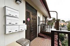 玄関ドアの様子。(2016-07-27,周辺環境,ENTRANCE,2F)