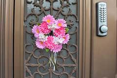 花輪が飾られています。(2016-07-27,周辺環境,ENTRANCE,2F)