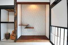 床の間の壁紙がアクセントに。(2014-05-15,共用部,LIVINGROOM,1F)