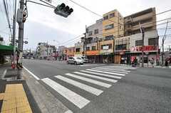 駅からシェアハウスへ向かう道の様子2。飲食店が並びます。(2014-05-15,共用部,ENVIRONMENT,1F)