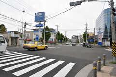 市営地下鉄ブルーライン・片倉町駅前の交差点の様子。(2016-05-20,共用部,ENVIRONMENT,1F)