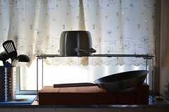 キッチンは窓に面しています。(2012-12-11,共用部,KITCHEN,1F)