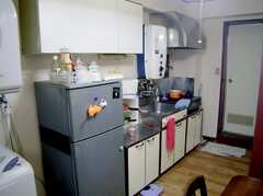 シェアハウスのキッチンの様子。(2007-07-19,共用部,KITCHEN,2F)