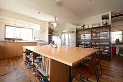 キッチンの隣はパントリールーム。(2014-09-16,共用部,KITCHEN,1F)