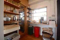 パントリールームの隣は、入居者同士で使うマルシェなスペース。(2014-09-16,共用部,OTHER,1F)