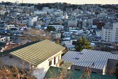 シェアハウス周辺の様子。本館の横浜シェアハウス #58(ゴーヤ邸)が近くにあります。(2018-01-25,共用部,ENVIRONMENT,1F)