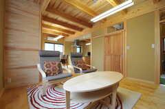 空気がとても気持ち良い空間です。(2013-09-24,共用部,LIVINGROOM,1F)