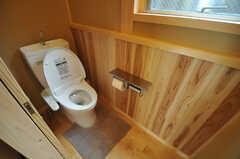 ウォシュレット付きトイレの様子。(2013-09-24,共用部,TOILET,1F)