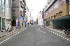 各線・日吉駅からシェアハウスへ向かう道の様子。(2013-09-24,共用部,ENVIRONMENT,1F)