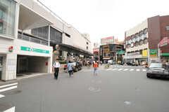 各線・日吉駅の様子。駅前が充実しています。(2013-09-24,共用部,ENVIRONMENT,1F)