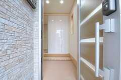 正面玄関から見た内部の様子。(2013-02-15,周辺環境,ENTRANCE,1F)
