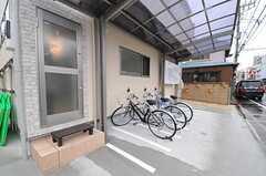 自転車置場の様子。(2013-02-15,共用部,GARAGE,1F)