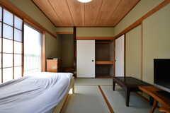 専有部の様子2。床の間と収納が並んでいます。(203号室)(2017-05-22,専有部,ROOM,2F)