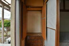 縁側にある収納の様子2。(102号室)(2019-10-10,専有部,ROOM,1F)