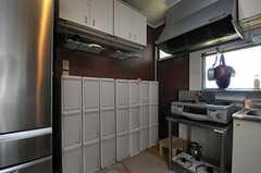 部屋ごとにゴミ箱が用意されています。(2012-04-24,共用部,KITCHEN,1F)