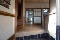 正面玄関から見た内部の様子。(2014-12-08,周辺環境,ENTRANCE,1F)