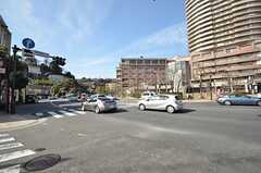 横須賀街道が近く、交通量はかなり多めです。(2015-02-16,共用部,ENVIRONMENT,1F)