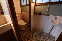 ウォシュレット付きトイレの様子。(2017-10-13,共用部,TOILET,1F)