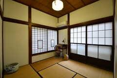 専有部の様子。全室、机と椅子が用意されています。(101号室)(2017-10-13,専有部,ROOM,1F)
