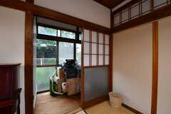 収納スペースの様子。(102号室)(2017-10-13,専有部,ROOM,1F)