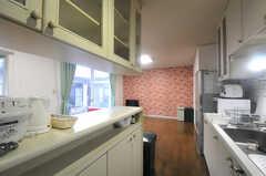 キッチンの様子2。(2013-11-26,共用部,KITCHEN,1F)